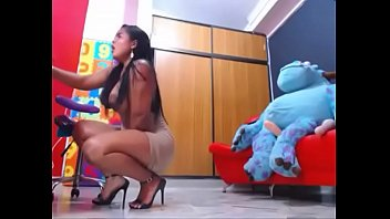 Kloe 18 Porno Porno - Vídeo Kloe 18 Porno Desnuda